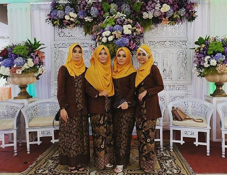 gambar kebaya modern balutan hijab