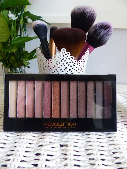 Recenzja Paletki - Makeup Revolution Redemption Iconic 3