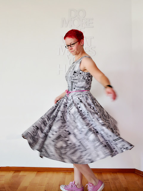 Betty Dress von Sew Over It in der Nähnerdversion @frauvau.blogspot.de