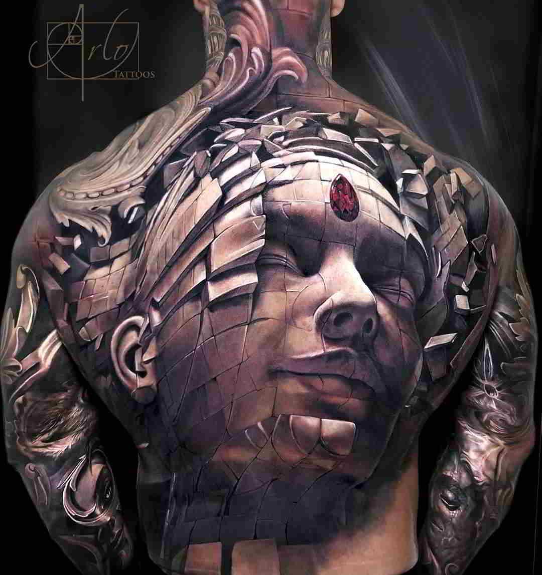 tatuaje de Arlo dicristina con la esfinge