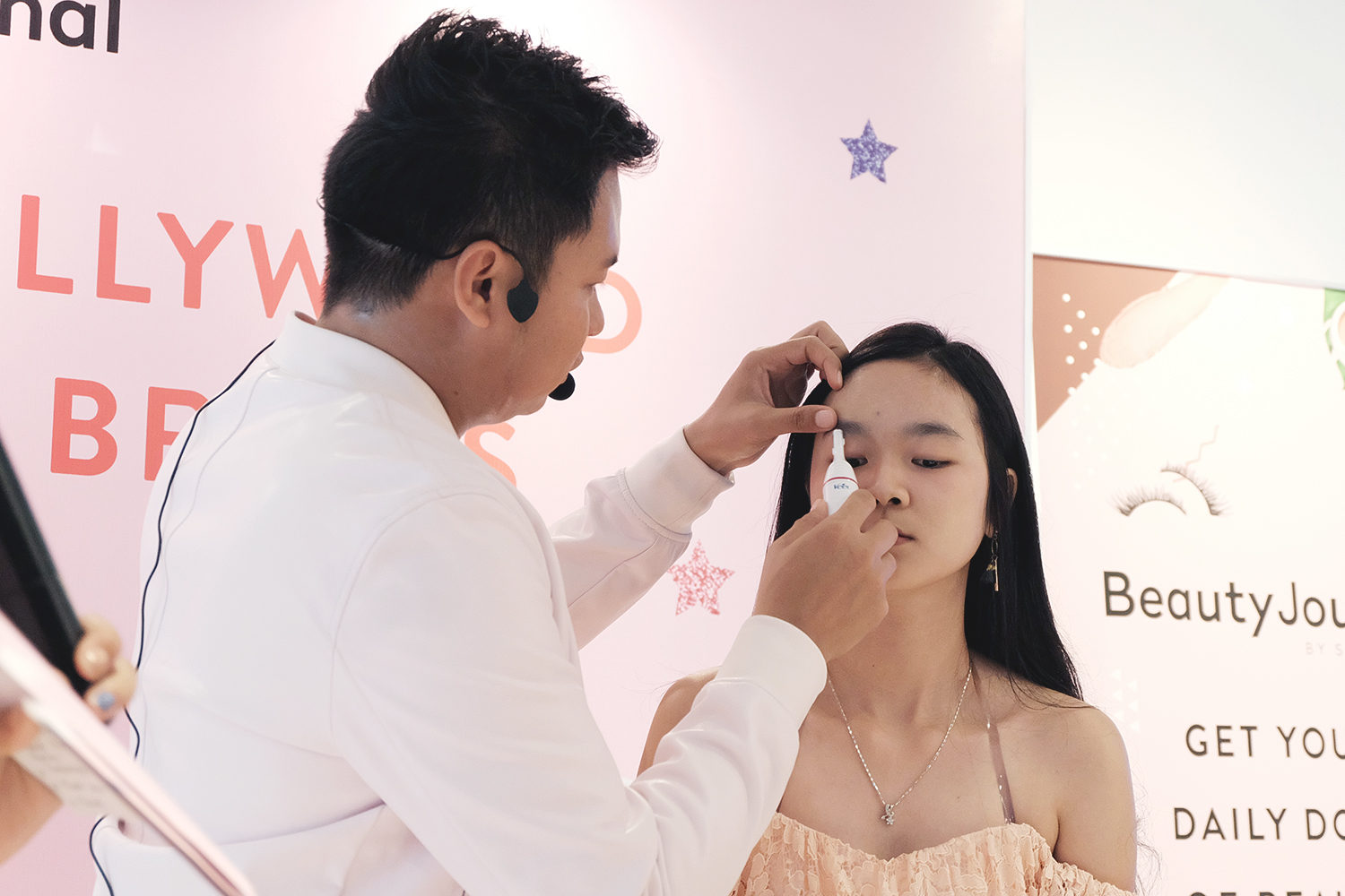 Veet Sensitive Touch Mastering Hollywood And Korean Brows Big Dreamer