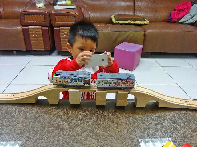 〔小火車〕Tomy Plarail 鐵道王國.旭山動物園號 + IKEA LILLABO 玩具火車組