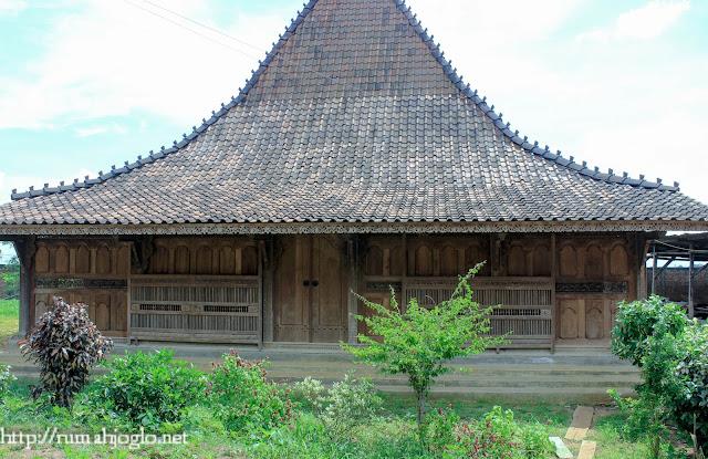 rumah tradisional joglo