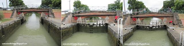 Paseo en barco por el Canal de Deux Mers