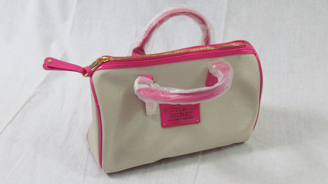 92d4660f25 VICTORIA S SECRET Womens Handbag Purse