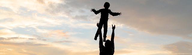 Staatliche Methoden der Bindungszerstörung: Ein Vater hört auf, um sein Kind zu kämpfen