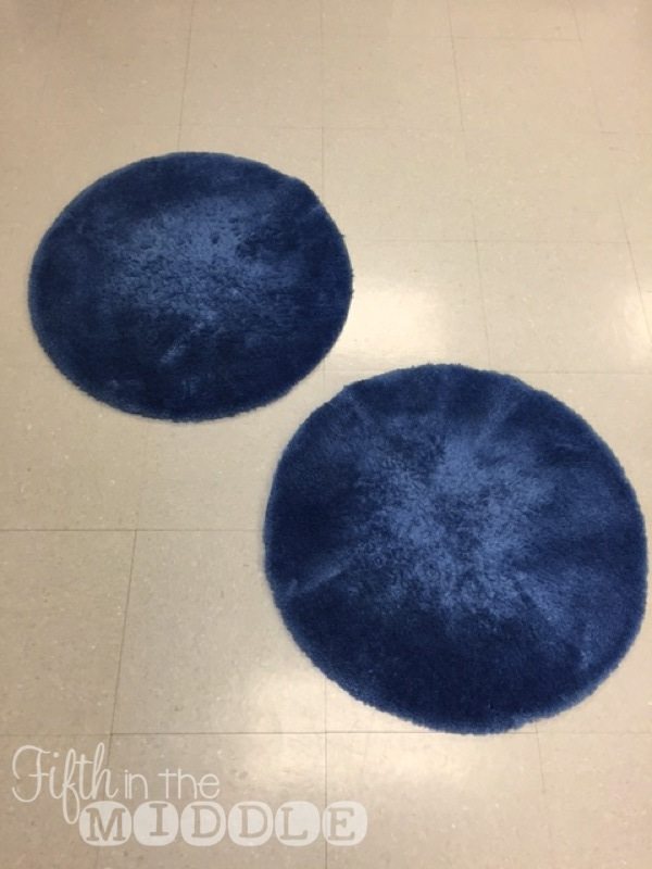 Round Bath Rugs Create A Soft And Comfortable Floor Space For Reading And  Working.