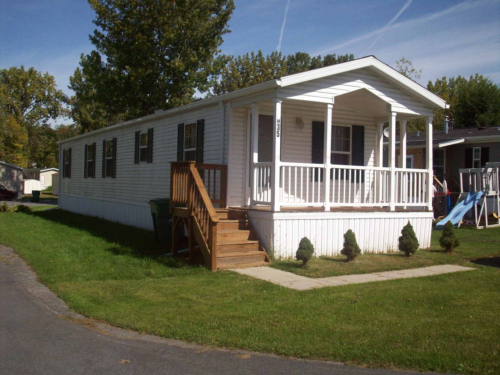Clasic Colonial Homes Outside The Rat Race Is It Worth Buying A Manufactured Home