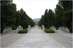 สุสานจักรพรรดิหงอู่ (Tomb of Hong Wu)