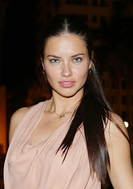 Adriana Lima Hot Post