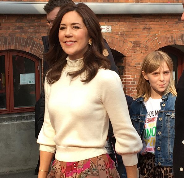 Crown Princess Mary wore a Valentino pleated printed silk crepe de chine midi skirt