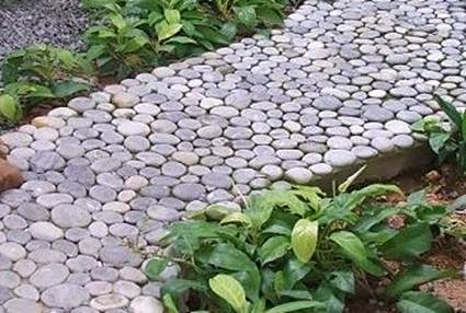 How To Make a Garden Stone Path With Gravel 3