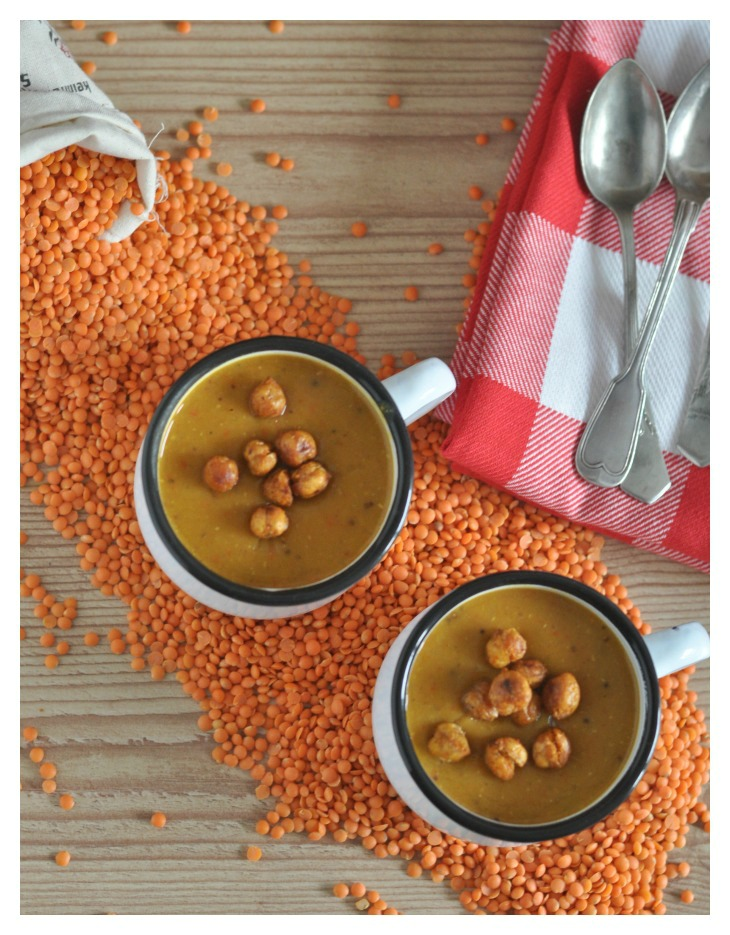 Spicy sweet potatoe soup with lentils and thai curry, glutenfree and vegan
