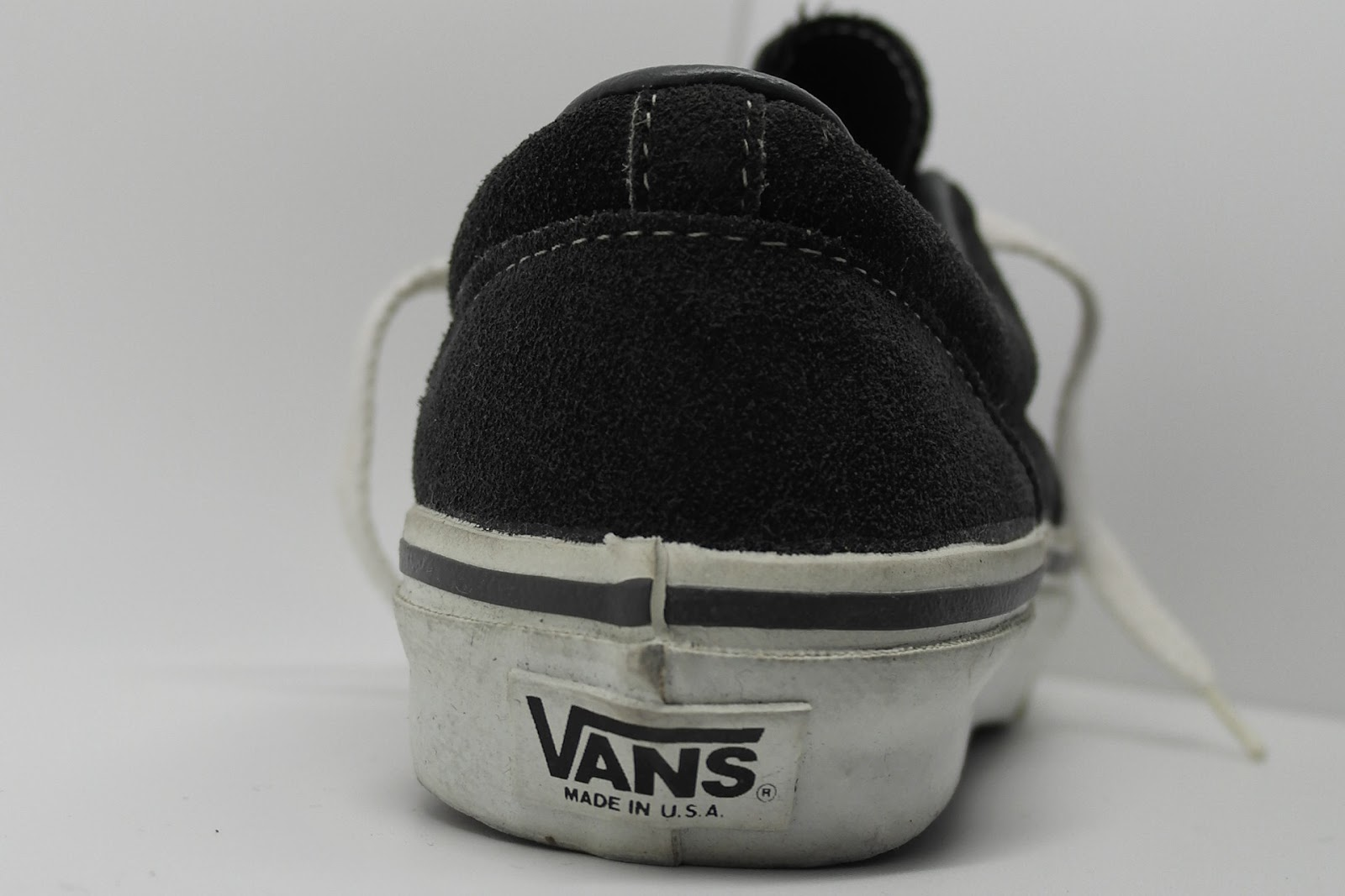 a79d98b404 theothersideofthepillow  vintage VANS style  95 ERA charcoal suede ...