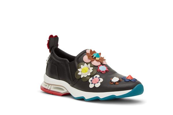 11 bằng chứng cho thấy giảy tăng chiều cao nữ sneaker vẫn đáng được sở hữu trong năm 20126