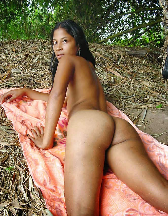 indian village girl boobs showing