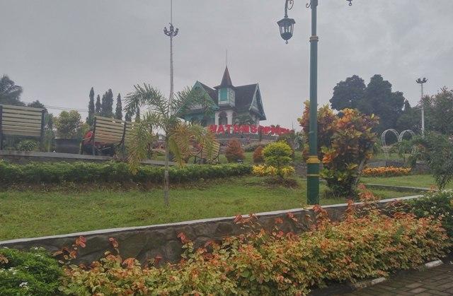 Eksotis Taman Kota Soppeng, Mulai Pemandangan Alamnya, Villa Yuliana Hingga Wifi Gratis