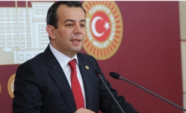 """Τούρκος βουλευτής: """"Θα υψώσω στα νησιά την τουρκική σημαία και θα στείλω την ελληνική πίσω με κούριερ"""""""