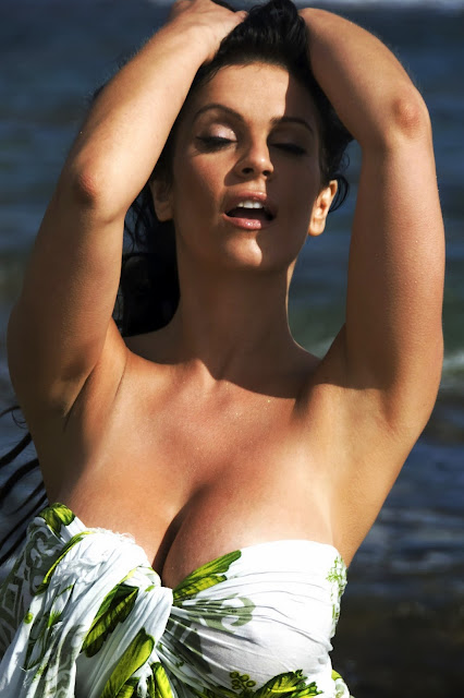 gallery nude girls sexy denise milani hot images. Black Bedroom Furniture Sets. Home Design Ideas