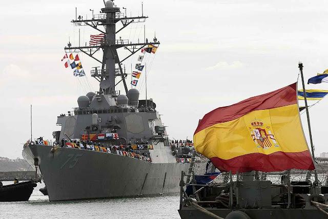 Fragatas Aegis ancoradas em Rota, Espanha, integram o escudo anti-mísseis