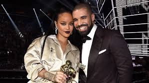 Singer Rihanna and Drake split again