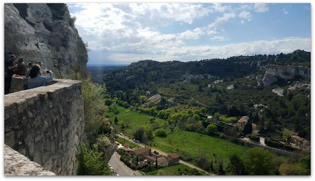 Panorama Provence Printemps Arbre en fleur Pensée positive Petits bonheurs