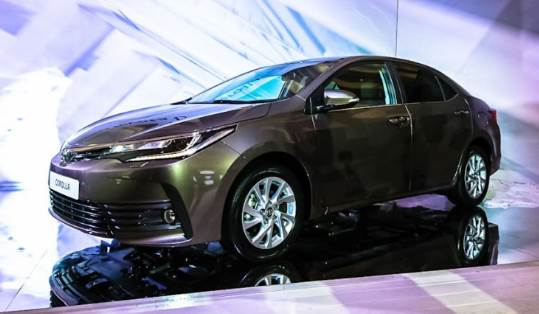 2017 toyota Altis Facelift Redesign And Price