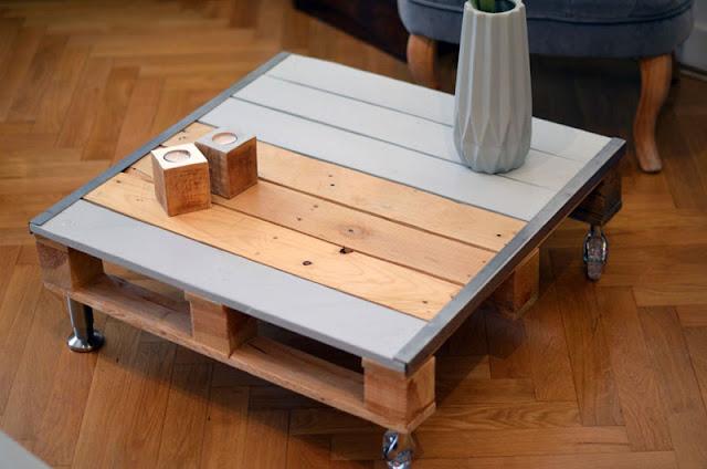 Table basse palette et acier fonctionnelle tables basse en for Table basse a roulette