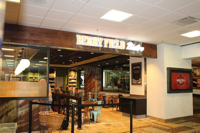 Berry Field Bistro - Nashville International Airport, high traffic environment,commercial wallcoverings,contract wallpapers, mural graphics, signage