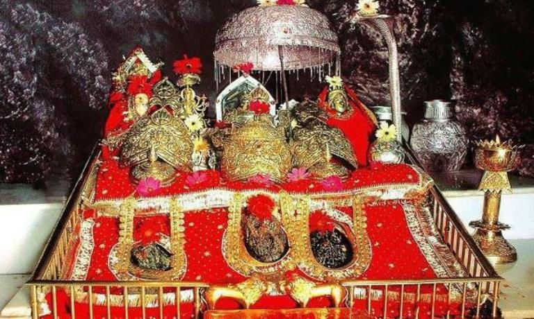 best time to go on vaishno devi yatra pindi darshan in hindi haat