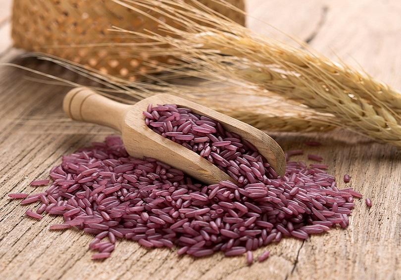 Os benefícios mais surpreendentes do arroz roxo para a saúde (com base em pesquisas)