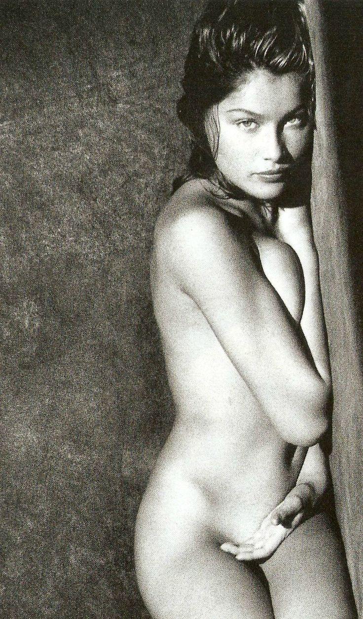 Laetitia casta black and white naked pics — img 6