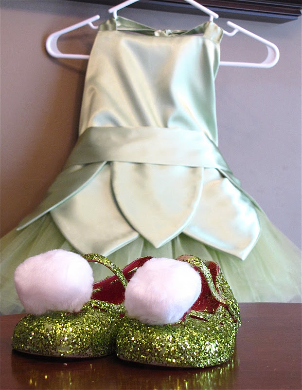 Tinkerbell Costume Tutorial & The Modest Homestead: Tinkerbell Costume Tutorial