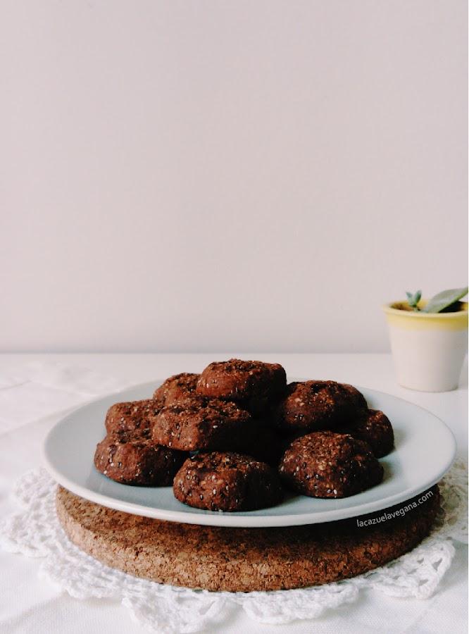 Galletas trigo sarraceno, avellanas y chocolate. Veganas, sin gluten, saludables.