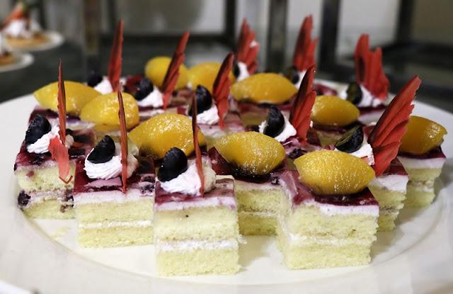 BUFFET RAMADHAN 2020 SHAH ALAM  @  GRAND BLUEWAVE HOTEL SHAH ALAM - Menu - Dessert - Cakes
