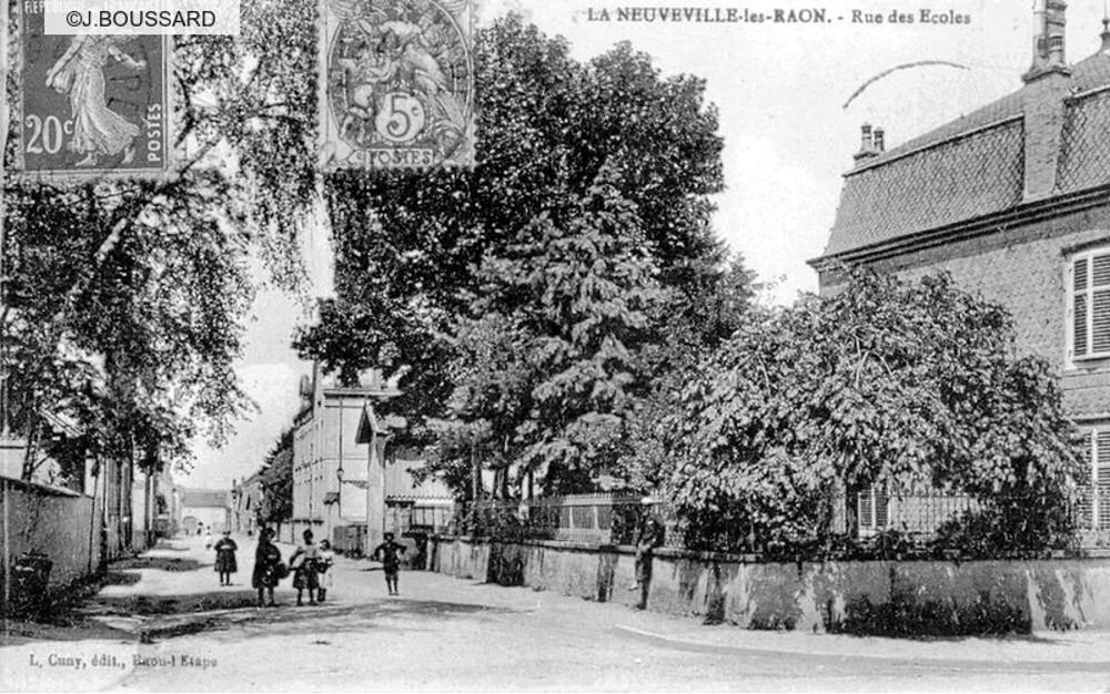 Rue Des  Ef Bf Bdcoles La Ville Du Bois