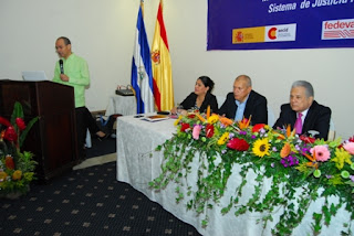 El diputado Carlos Emilio López, durante su intervención