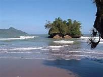 Pengalaman Berkemah Di Pantai Pelang, Kabupaten Trenggalek