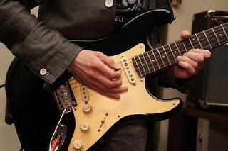 senam jari gitar untuk mempercepat permainan melodi gitar