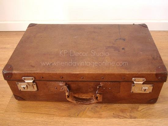 fotos maleta antigua color marrón