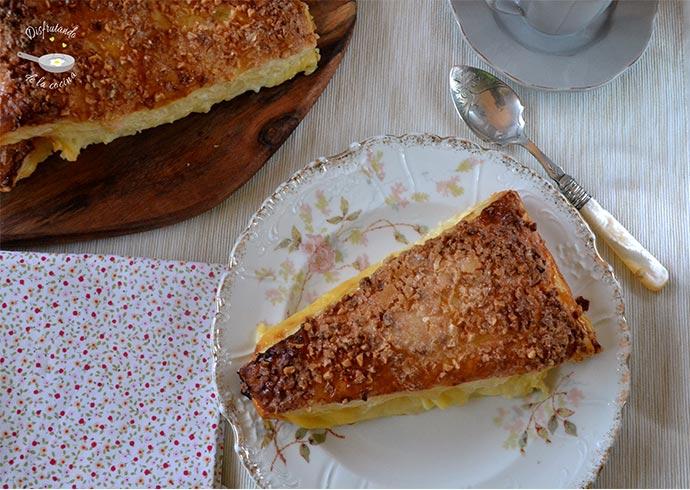 Triángulos de hojaldre y crema pastelera