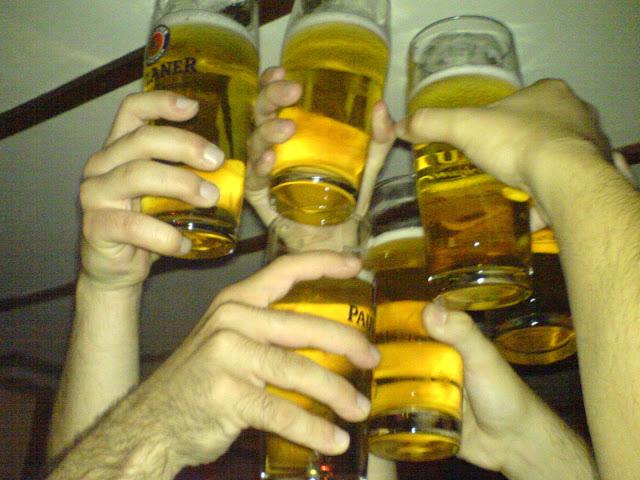 Brindis con cervezas en Munich de interrail