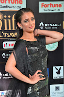 Akshara Haasan in Shining Gown at IIFA Utsavam Awards 2017  Day 2 at  35.JPG