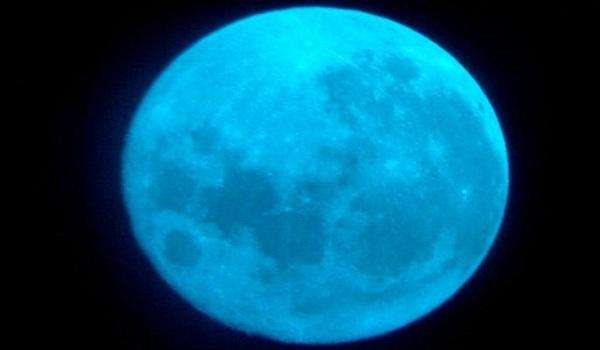 Foto Blue Moon
