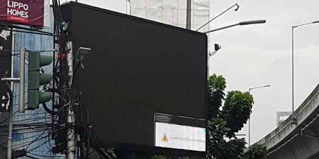 Bahaya! Papan Digital Di Jalan Ini Menyajikan Video Syur.