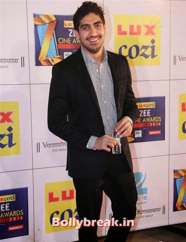 Ayan Mukherjee, Zee Cine Awards 2014 Red Carpet Pics
