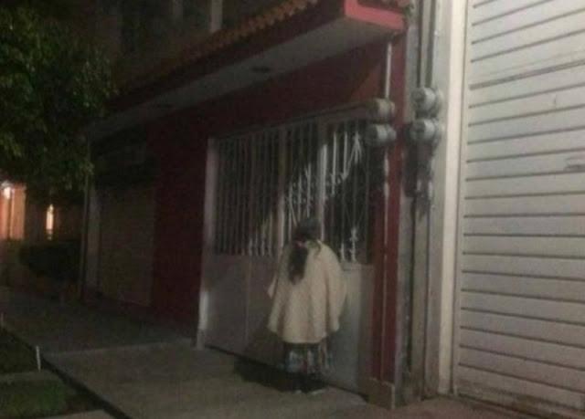 """Castiga a su """"abuelita"""" y la deja afuera durante toda la noche en Ecatepec."""