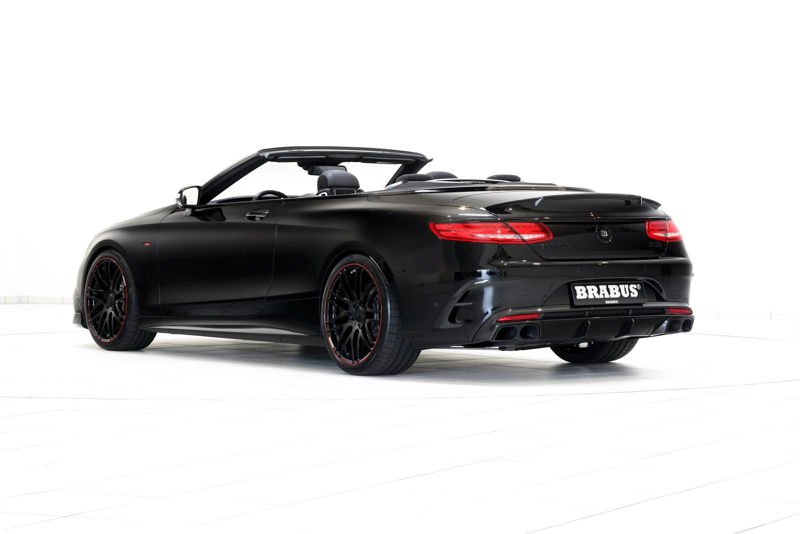 new brabus 850 6 0 biturbo is the world s fastest and most powerful four seater convertible. Black Bedroom Furniture Sets. Home Design Ideas