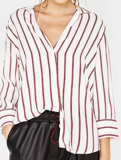 https://www.bershka.com/fr/femme/v%C3%AAtements/nouveaut%C3%A9s/chemise-manches%C2%A03-4-c1010195501p101316571.html?colorId=599