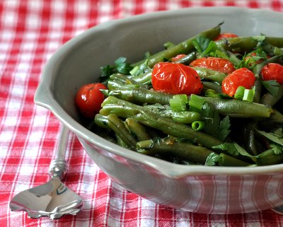 Healthy Red & Green Green-Bean Salad, another seasonal, simple salad ♥ AVeggieVenture.com